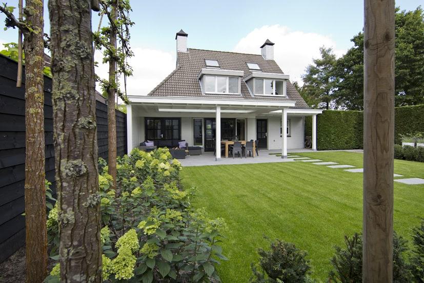 Houten-veranda-wit-met-klossen-10