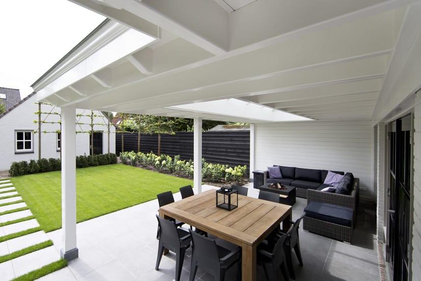 Houten-veranda-wit-met-klossen-35