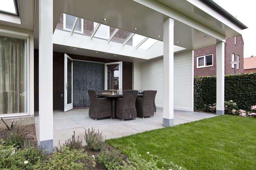 Veranda-aan-huis-wit-vlak-plafond-55
