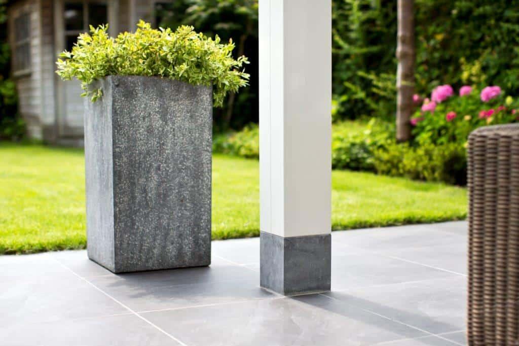 Detail-veranda-kolom-hardsteen