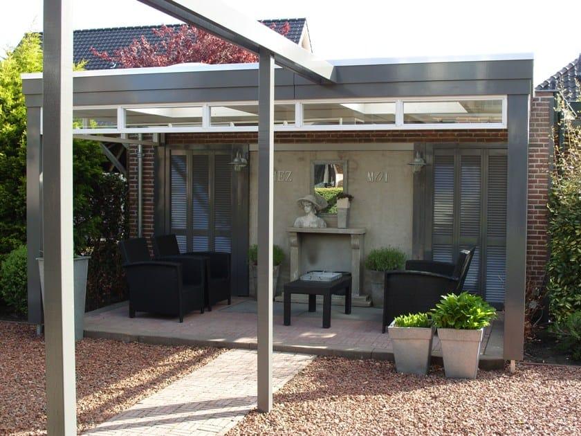 Veranda-met-bovenlicht-en-strakke-boeiboord