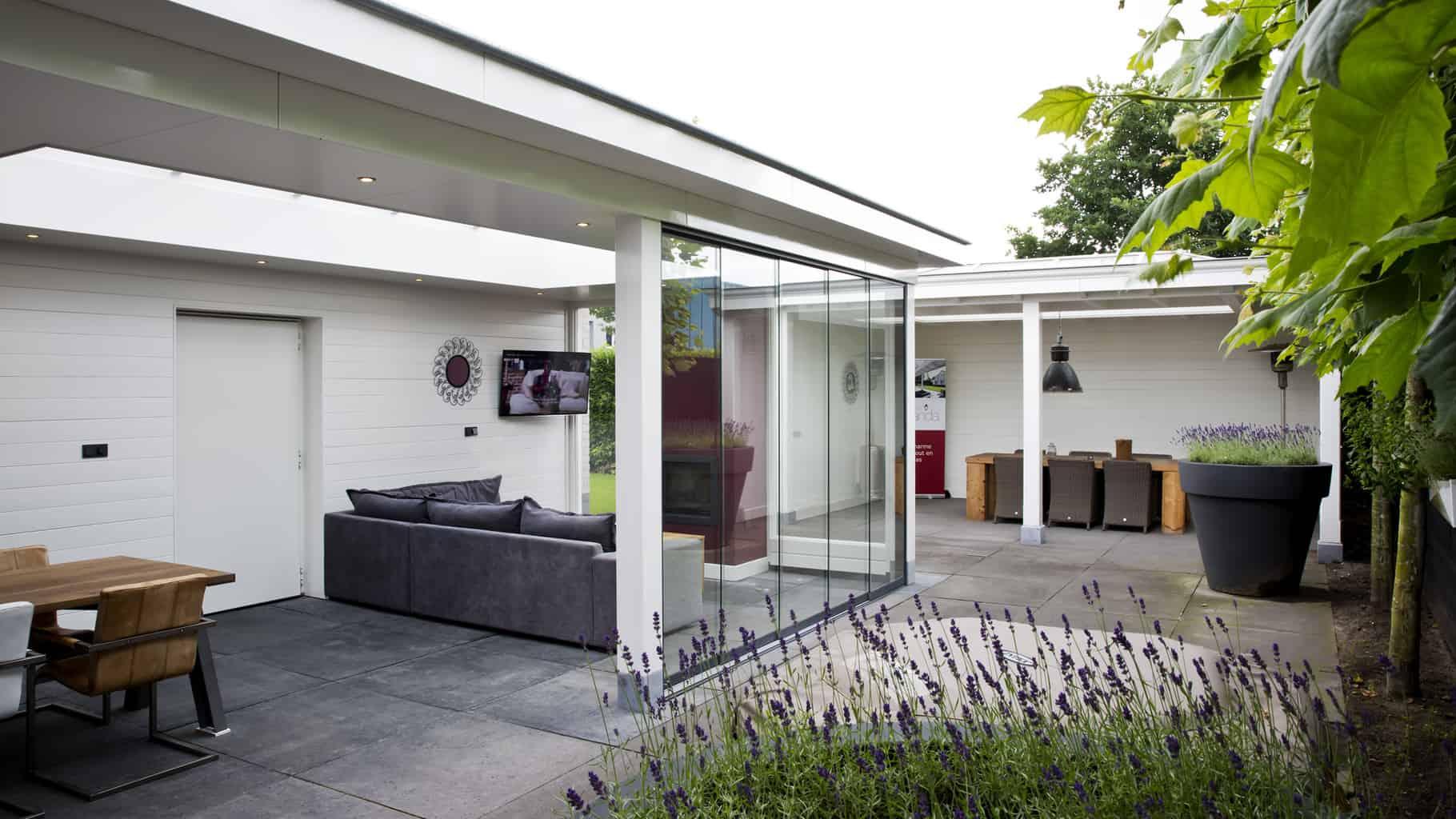Veranda-showroom-tuinhaard-schuifbeglazing